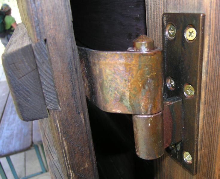 an old hinge