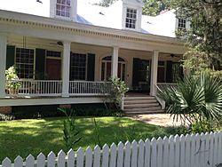 Holly Grove Plantation House.jpg