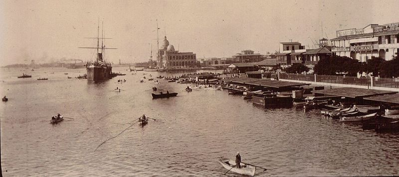 The Port of Calcutta in 1903 by Pandy, great uncle of Vintage Lulu [Public domain], via Wikimedia Commons