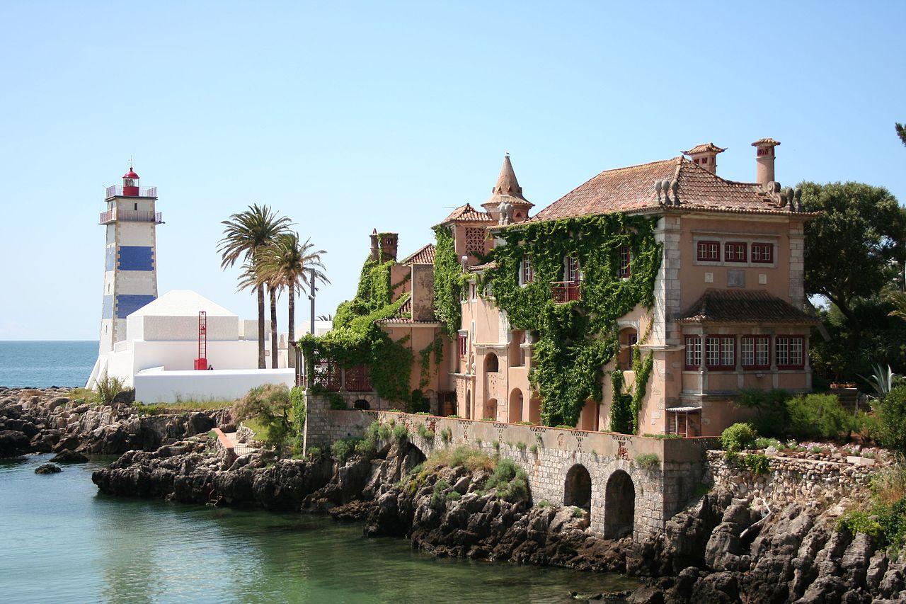 Cascaes 1280px-Hotel_Museu_do_Farol_de_Santa_Marta_IMG_7103_%282497377933%29