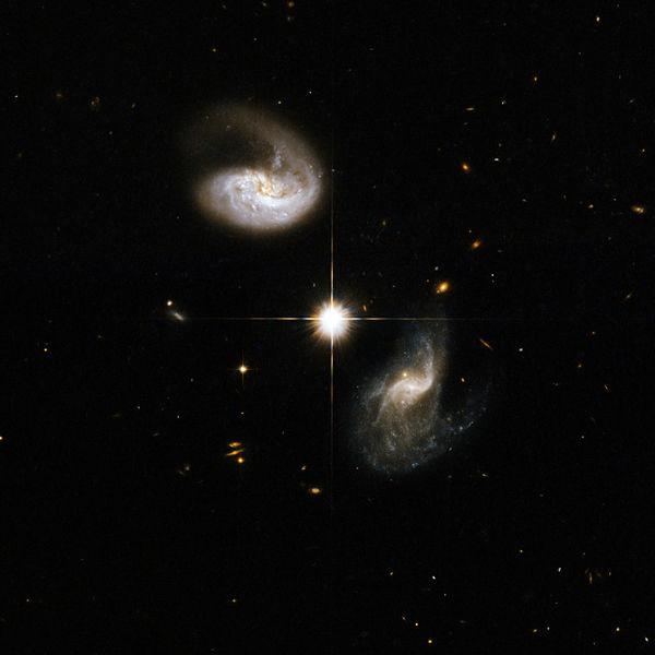 File:Hubble Interacting Galaxy CGCG 436-030 (2008-04-24).jpg