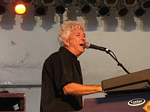 Ian McLagan - McLagan performing with the Bump Band in 2006