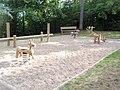 Infanludejo en la parko de la Château de Langeais.jpg