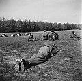 Inleveren van wapens door de Duitsers. Het wapendepot in Soest, waar de Duitsers, Bestanddeelnr 900-3062.jpg