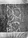 interieur, stuk van de trijpen stof op een kussen - haarlem - 20099039 - rce