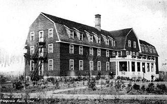 Iroquois Falls - Iroquois Hotel, 1916