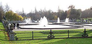 Kensington Gardens - Image: Italian Garden fountains