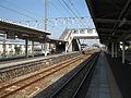 JRCentral-Tokaido-main-line-Higashi-tagonoura-station-platform-20100408.jpg