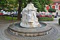 Jahreszeitenbrunnen Passail by Albert Schmuck 01.jpg