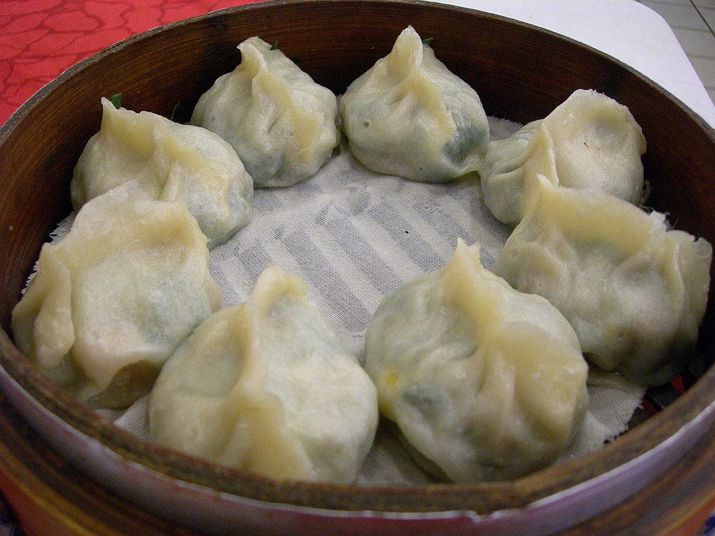 File:Jiaozi of garlic chives and shrimp by Adonis Chen.jpg - Wikimedia ...