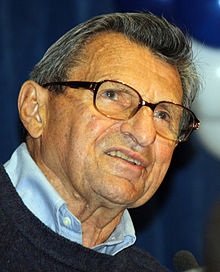 Joe Paterno - Penn State - Outback Bowl pep rally 123110 cropped.jpg