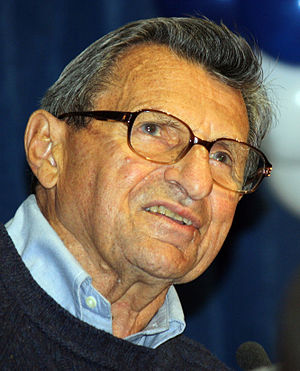 Joe Paterno - Paterno at a 2010 rally
