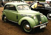 Renault Juvaquatre thumbnail
