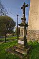Kříž před kostelem, Domašov nad Bystřicí, okres Olomouc.jpg