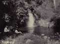 KITLV - 44398 - Kurkdjian, N.V. Photografisch Atelier - Soerabaia-Java - Small waterfall at Prigen - circa 1900.tiff