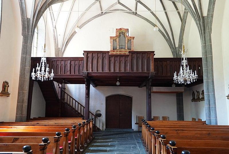 Datei:Kath. Pfarrkirche hl. Margaretha mit Friedhof 03.jpg