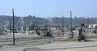 Kern River Oil Field - Area of active operations, along China Grade Loop