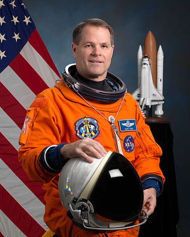 Astronaut Kevin A. Ford, NASA photo JSC2009-E-061592 (11 February 2009)Source: Wikipedia (spaceflight.nasa.gov killed 25 Feb 2021) 384px-Kevin_A._Ford.jpg