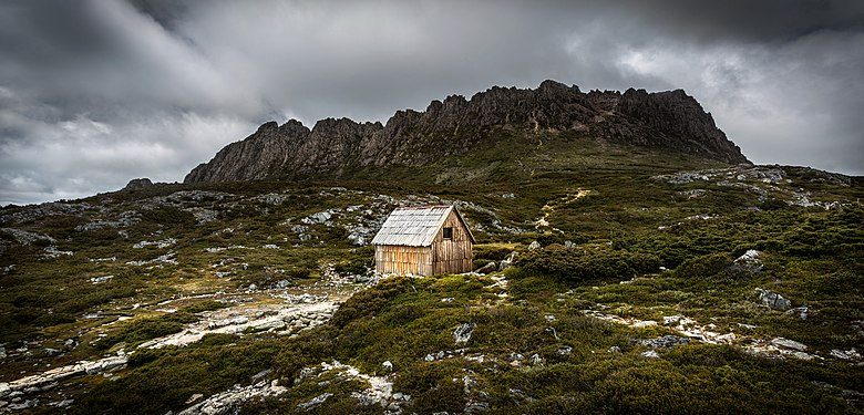 Kitchen Hut with Cradle Mountain in the background.jpg