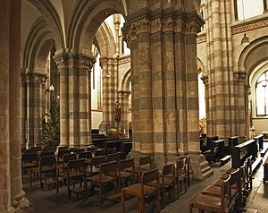 Twelve Romanesque churches of Cologne - Image: Koeln st andreas innenraum 3