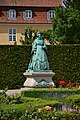 Kongens Have - Statue of Queen Caroline Amalie.JPG