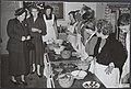 Koninklijk huis, bezoeken, beroepsonderwijs, voedselbereiding, Juliana, koningin, Bestanddeelnr 015-0039.jpg