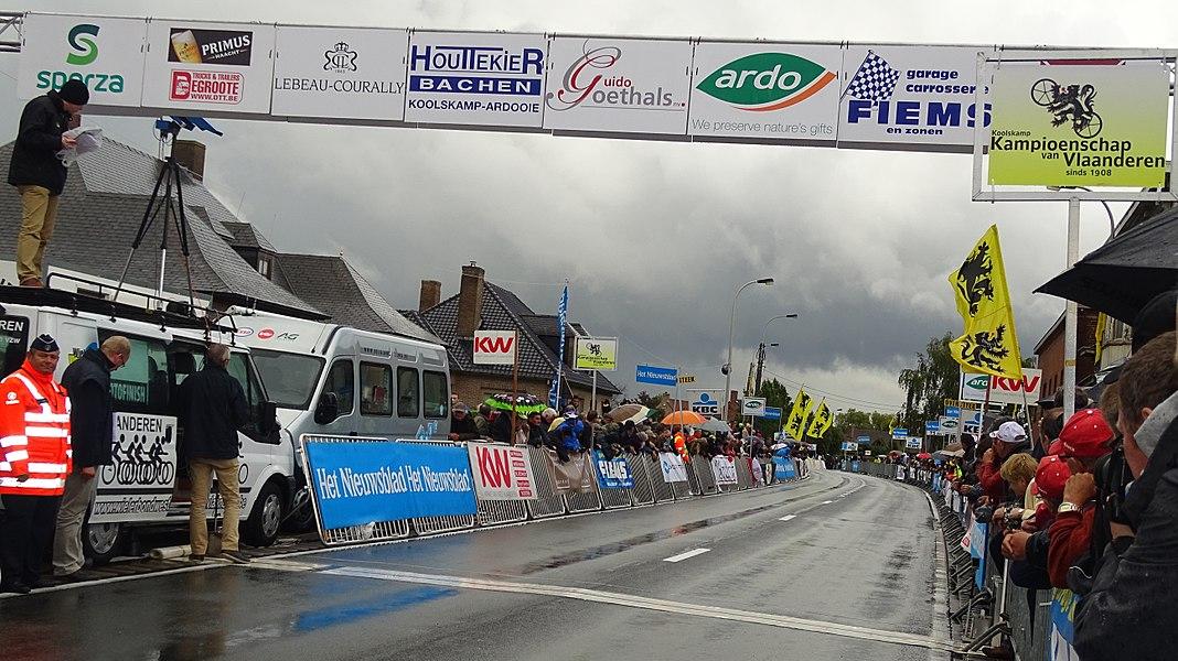 Reportage réalisé le vendredi 18 septembre à l'occasion de l'arrivée du Championnat des Flandres 2015 à Koolskamp (Ardooie), Belgique.