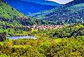 Lac et village de Sewen, vus de la digue du lac d'Alfeld.jpg
