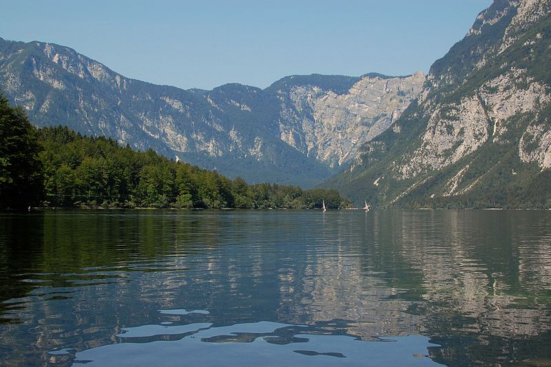 File:Lake Bohinj (8190291831).jpg