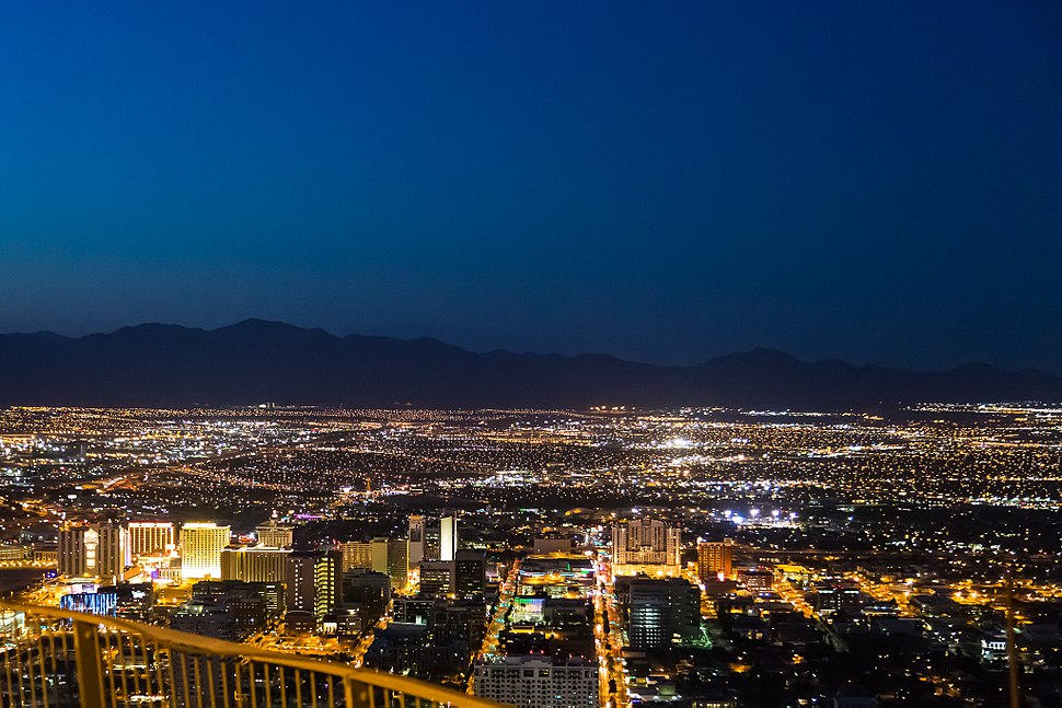 Las Vegas at night (9118927988)