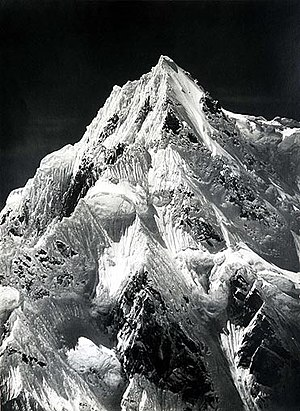 Vittorio Sella - Sella's photograph of Siniolchu in the Himalayas, taken from the Zemu Glacier
