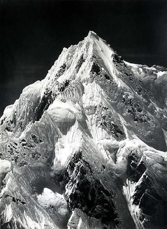 Vittorio Sella - Sella's photograph of Siniolchu in the Himalayas, taken from the Zemu Glacier