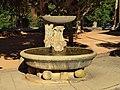 Le Tholonet-FR-13-centre-fontaine-02.jpg