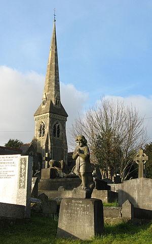 Locksbrook Cemetery - Image: Locksbrook Cemetery, Bath, graves and chapel