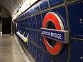 London (38214076496).jpg
