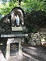 Lourdes Grotte Wiesen.jpg