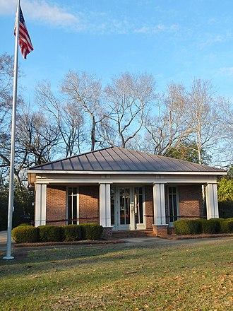 Lowndesboro, Alabama - Image: Lowndesboro Alabama Post Office 36752