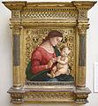 Luca signorelli, madonna col bambino, met.JPG