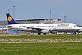Lufthansa, D-AIRS, Airbus A321-131 (16455205661).jpg