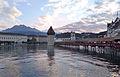 Luzern Altstadt mit Kappelbrücke.JPG