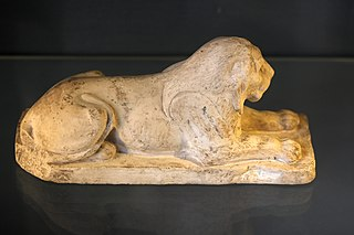 Reclining lion-N 4536