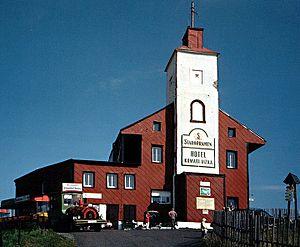 Komáří hůrka - Das Mückentürmchen (Komáří vížka), einst Anläuteturm der Bergleute