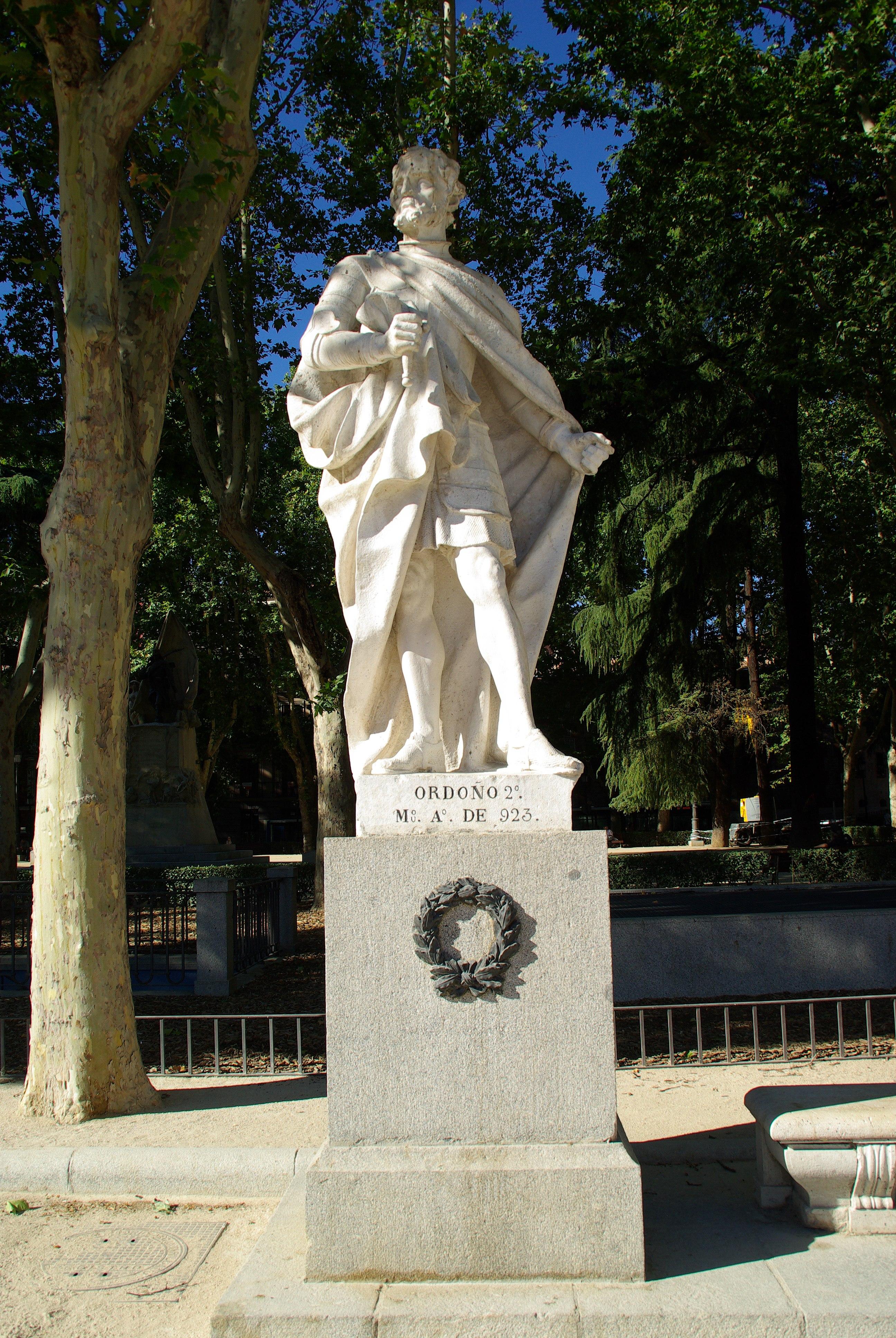 Estatuas jardin top estatuas japonesas del jardn with for Estatuas jardin