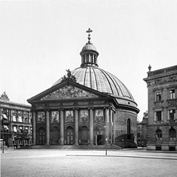 Hedwigskirche Königlich Preußische Messbildanstalt [Public domain], via Wikimedia Commons