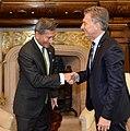 Macri with Vivian Balakrishnan 02.jpg