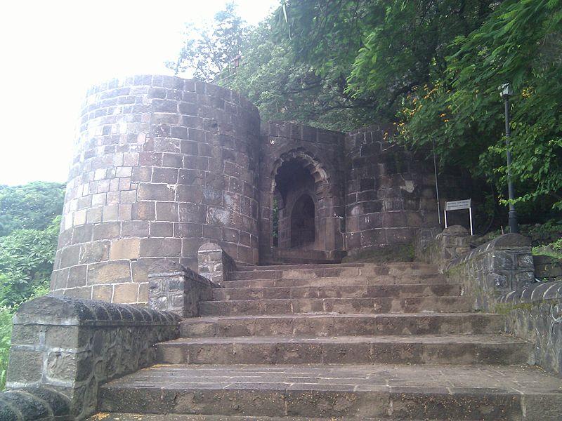 file mahadaravaja   shivneri fort     wikimedia commons