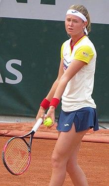 Marie Bouzková 2018 Roland Garros kwalificatie.jpg
