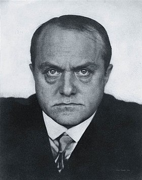 Max Beckmann 1928, by Hugo Erfurth.jpg
