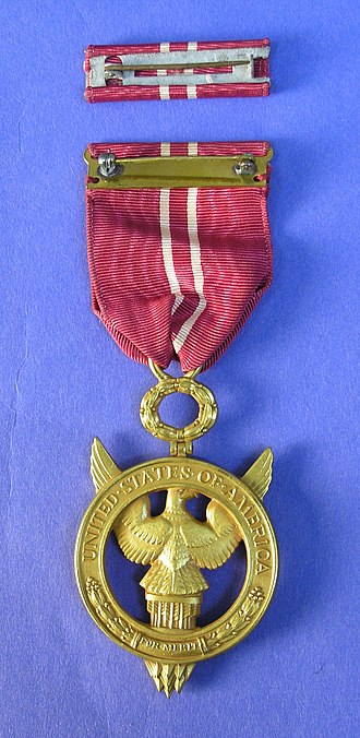 Medal for Merit - Image: Medal, decoration (AM 2005.56.1 12)