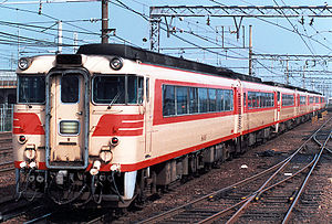 Meitetsu KiHa 8000 series - A KiHa 8000 series train led by 8003 in 1988